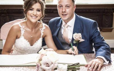 Cleckheaton Wedding Singer and DJ – Fiona And Darren's big day at Gomersal Park Hotel